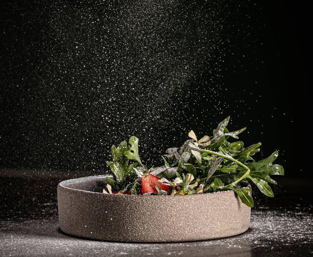 Photo d'une assiette végétale, cuisinée avec des produits du marché et de saison